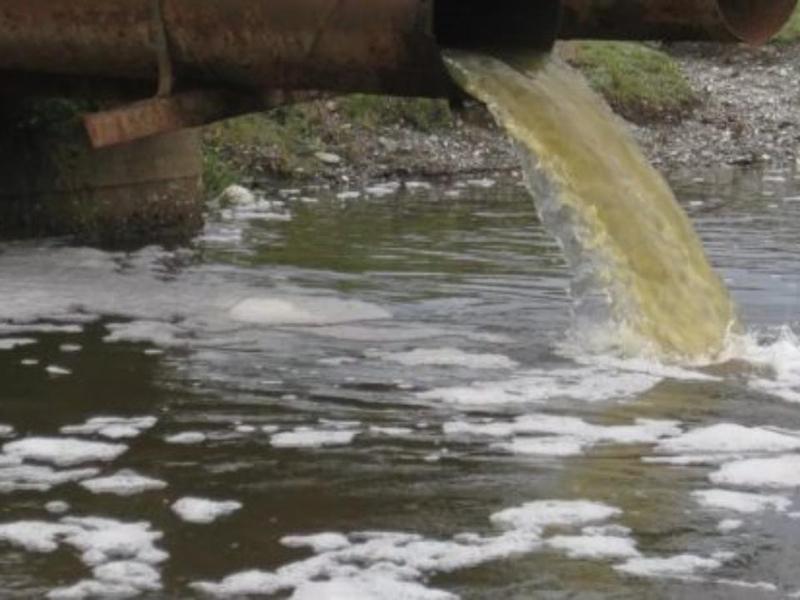 Одним из источников бора в воде являются производственные стоки
